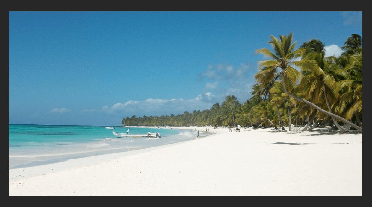 фото пляжа с белоснежным песком