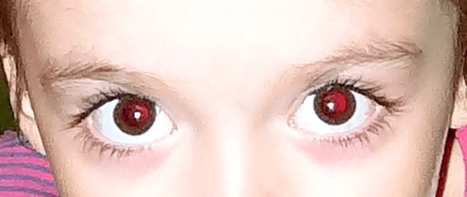Фото с красными глазами для обработки в Фотошопе