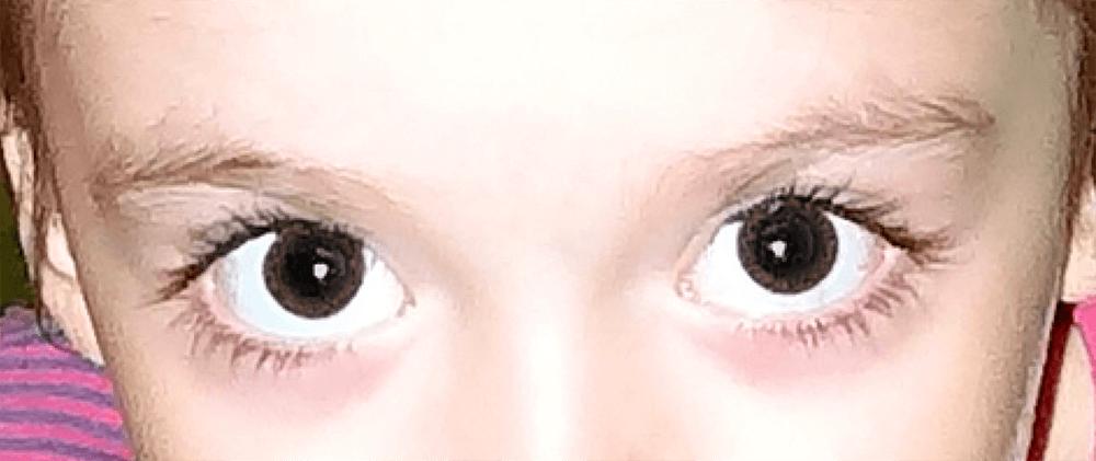 Промежуточный результат удаления красных глаз в Фотошопе